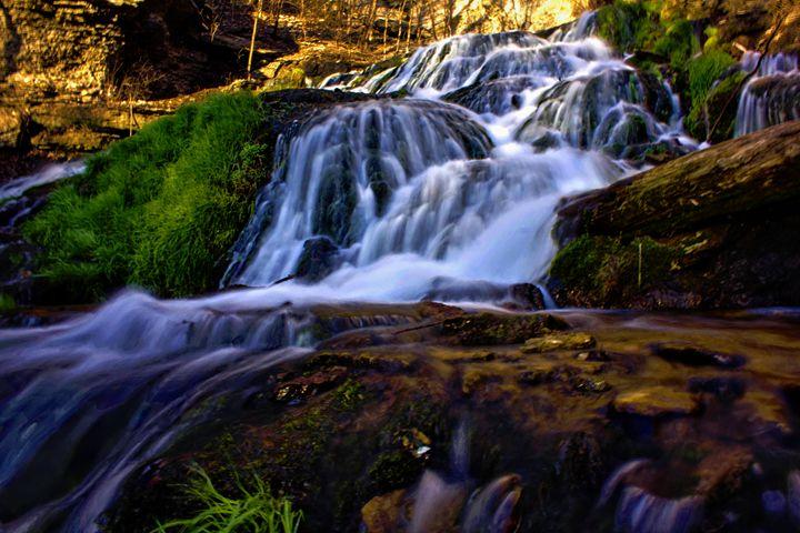 Stunning Falls - D. van Doorn