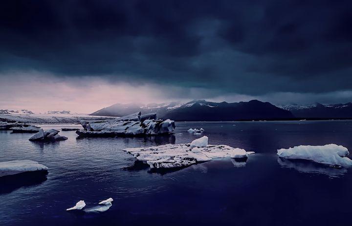 Icy Waters - D. van Doorn