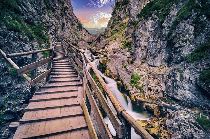 Mountain Bridge - D. van Doorn