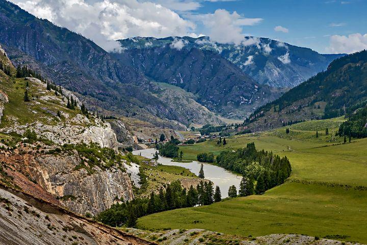 Mountain River - D. van Doorn