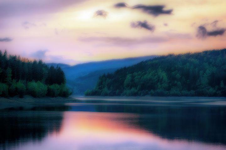 Colorful Lake - D. van Doorn