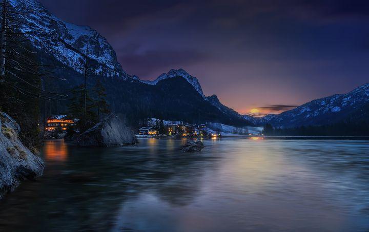Mountain Sunrise - D. van Doorn