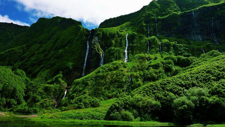 Waterfalls - D. van Doorn