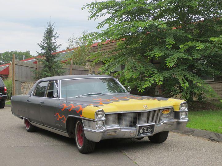 classy car flame - L'Orangerie