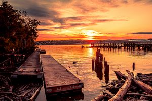 Long Dock Sunset - Oskar Lavista