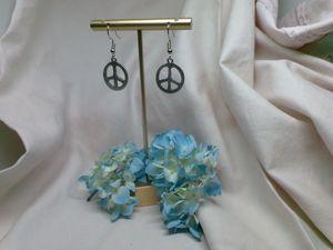 Peace sign earrings charity below - Jewlery with Heart