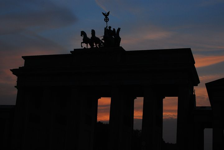 The Brandenburg Gate at Sunset - Hellz