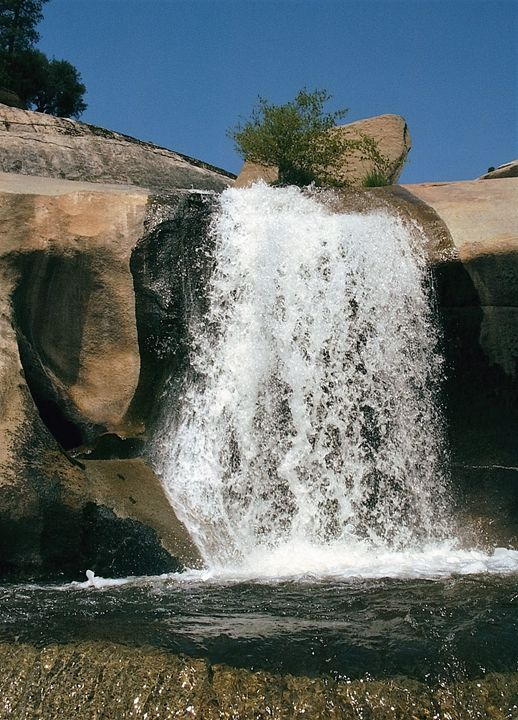 Peppermint Waterfall - Tina Swift