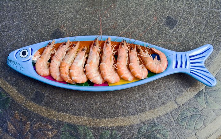 Shrimp in Fish Platter - Sally Weigand Images