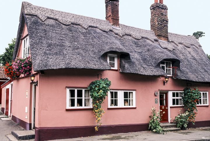 Thatched Roof Pub - Sally Weigand Images