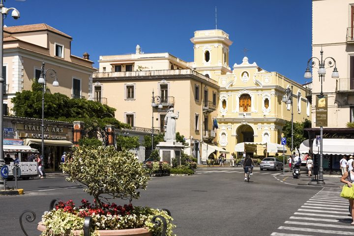 Sorrento Piazza San Antonio - Sally Weigand Images