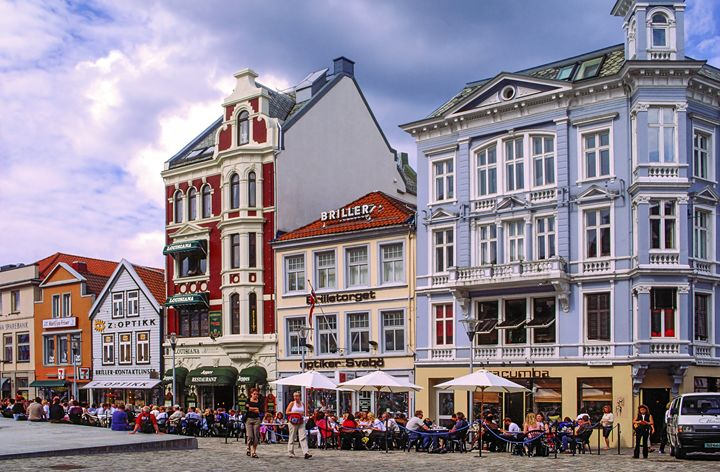 Bergen Norway Square - Sally Weigand Images