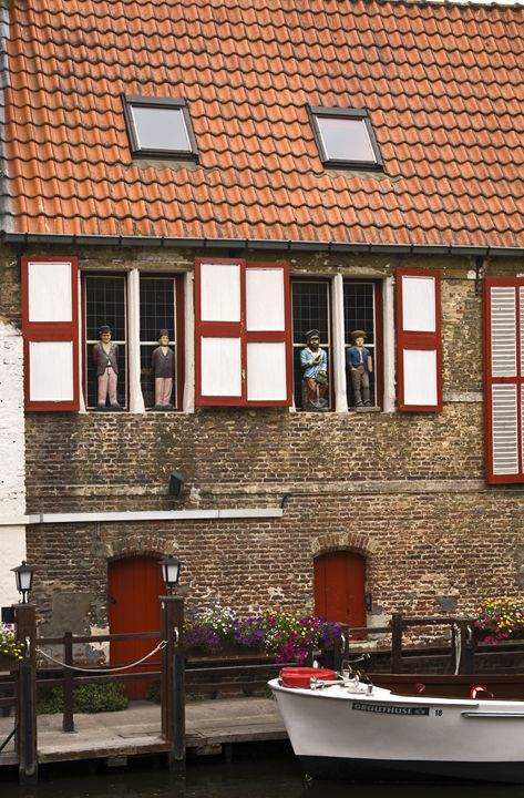 Bruges Canal Scene - Sally Weigand Images