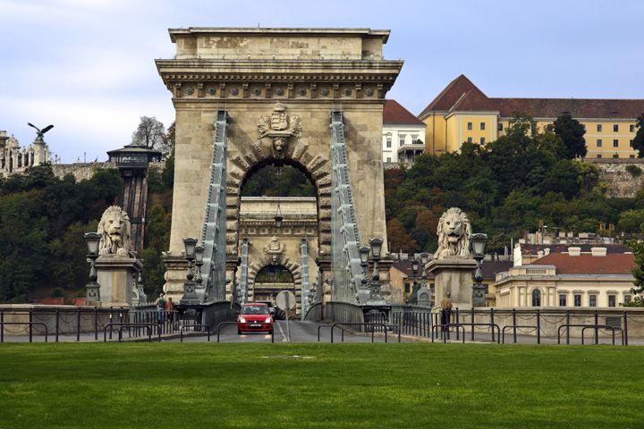 Chain Bridge Budapest - Sally Weigand Images