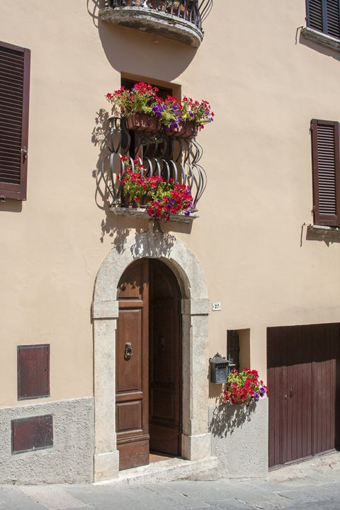 Montepulciano House Facade - Sally Weigand Images