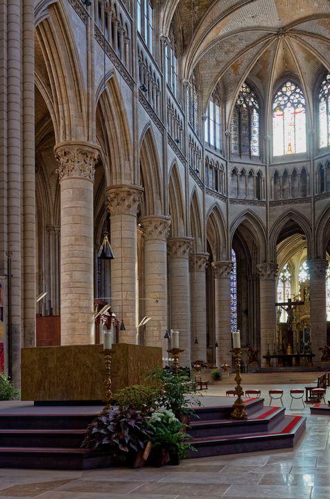 Notre Dame nterior Rouen - Sally Weigand Images