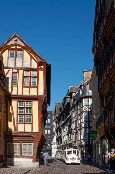 Rouen Street Scene - Sally Weigand Images