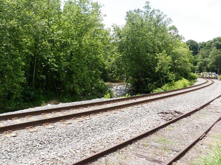 Railroad Tracks - Photos