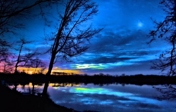 Sunrise Moon waterscape - Mark Goodhew Photography