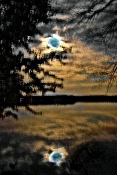 Moon Shadows 4 - Mark Goodhew Photography