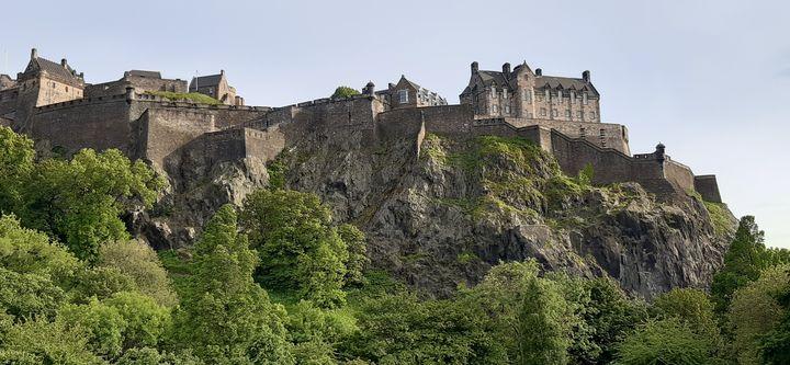 A - Castle of Edinburgh - Lola Bolena