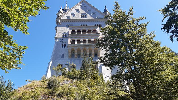 A - Neuschwanstein Castle Germany - Lola Bolena