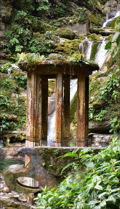 A - Huasteca P. Waterfall Nature Arc - Lola Bolena
