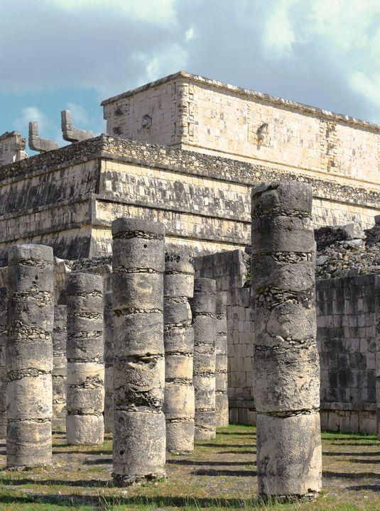 A - Mayan Columns - Lola Bolena