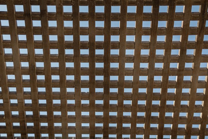 Wooden square grid - Maor Winetrob