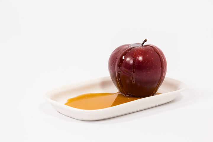 Red apple with drops of honey - Maor Winetrob