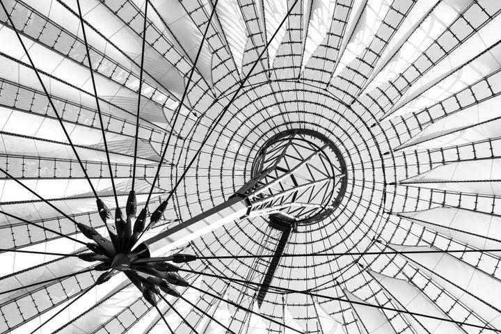 Futuristic roof - Maor Winetrob