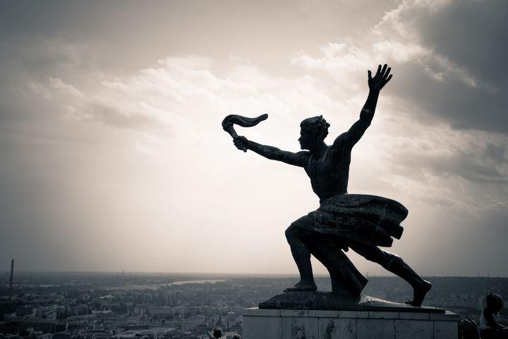 Side statue of the Liberty Statue - Maor Winetrob