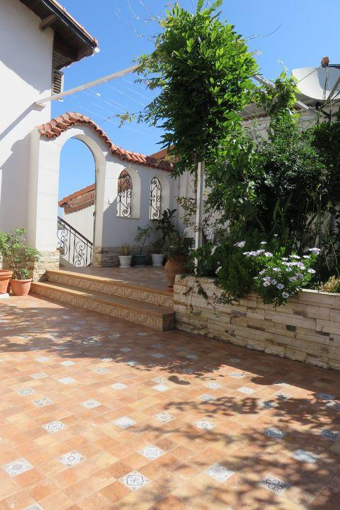 spanish home - Lumiart