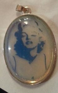 Marilyn  pendant