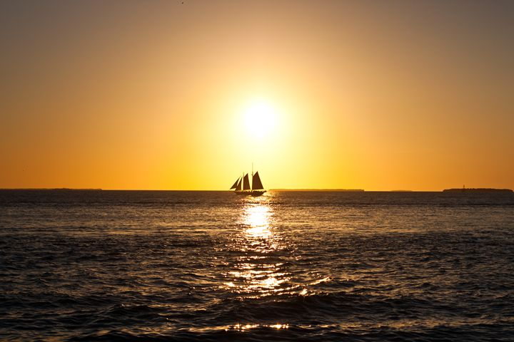 A pirate ship at sunset - Aditon Art