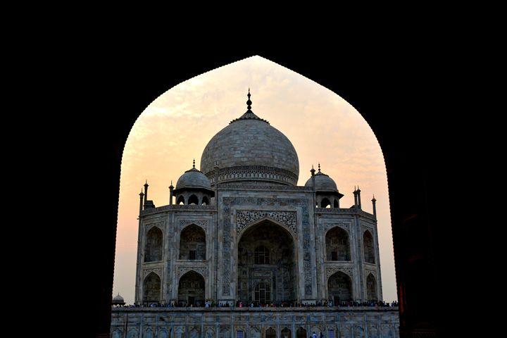Taj Mahal at sunset - Melnevsky