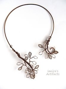 Leafy wire wrapped collar