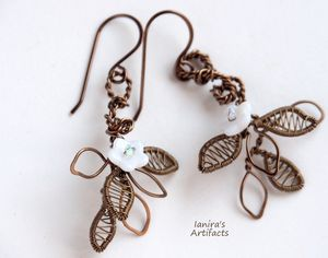 3D leafy earrings with white flowers