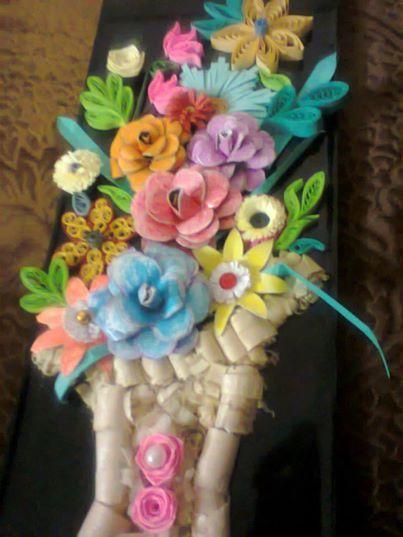 Quilling Craftwork - Flower vase - ISHIKAS GALLERIA