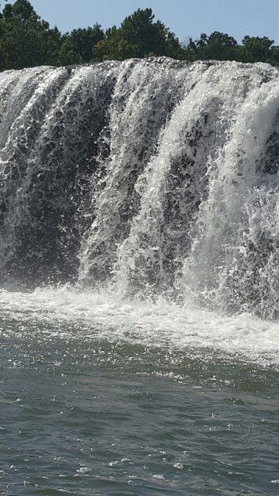 Falls -  HarleyQuinn2528