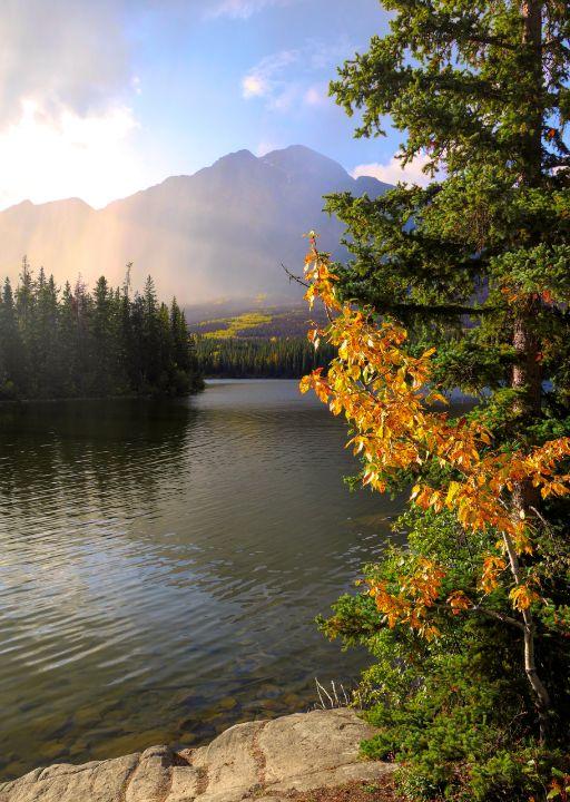 Autumn Moment On The Lake - Mndphoto