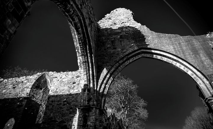 Abbey Arch - Vertical Horizontal Photography