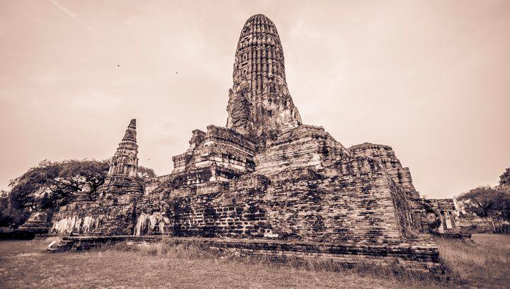 Ayutthaya Temple in Thailand - PhotoExpozure