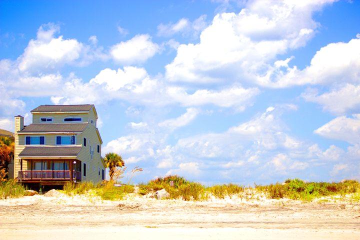 The House on the Edge - Zina Cuylits