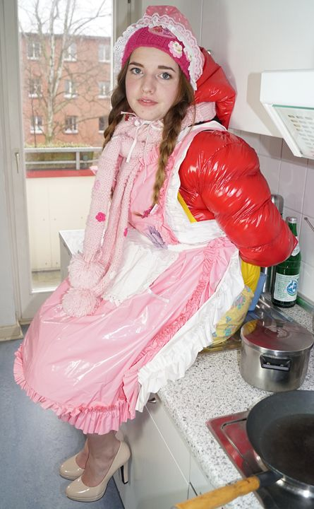 Azubi Küchenhilfe flabbyzulma - maids in plastic clothes