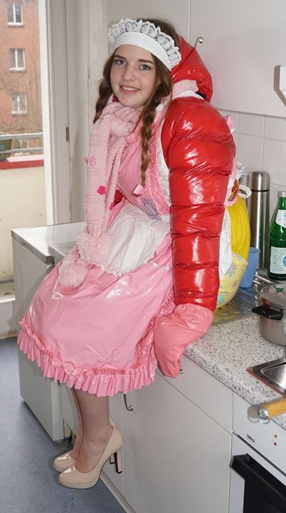 simple-minded kitchenmaid flabbyzulm - maids in plastic clothes