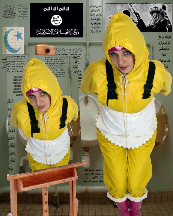 Klo Friesennerz Gummihure - maids in plastic clothes