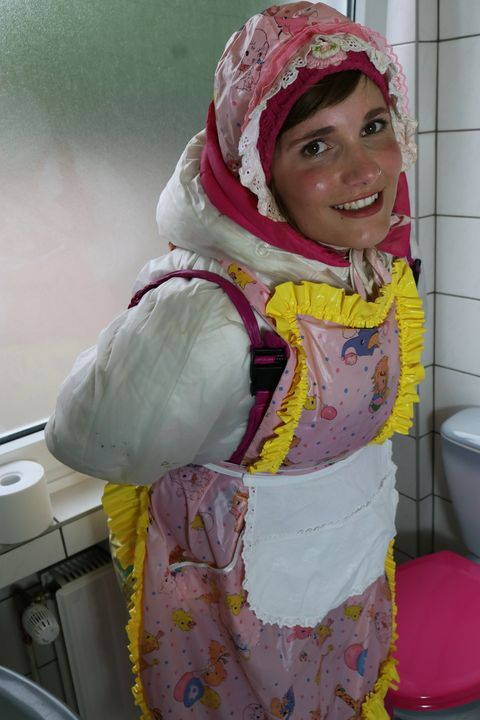 "loo whore karcila say: ""Welcome!"" - maids in plastic clothes"