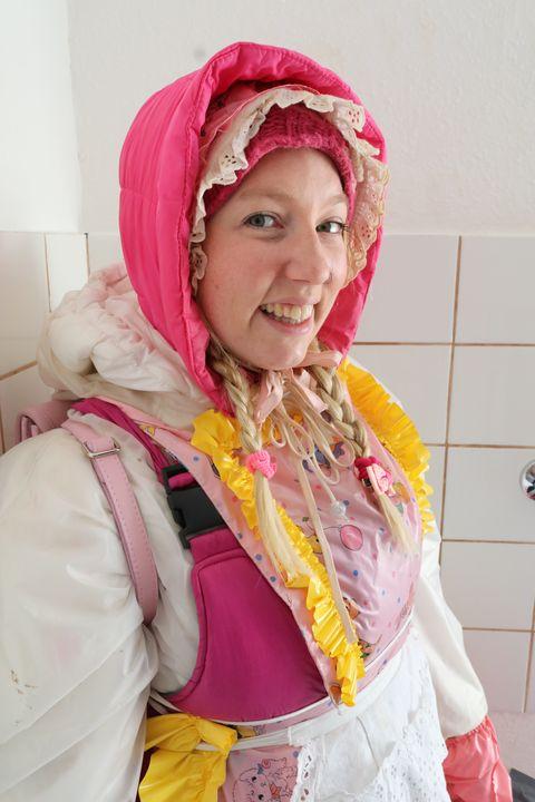 rubberwhore kaaspakket - maids in plastic clothes