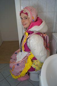 gummierte Toilettennutte pleinamerda